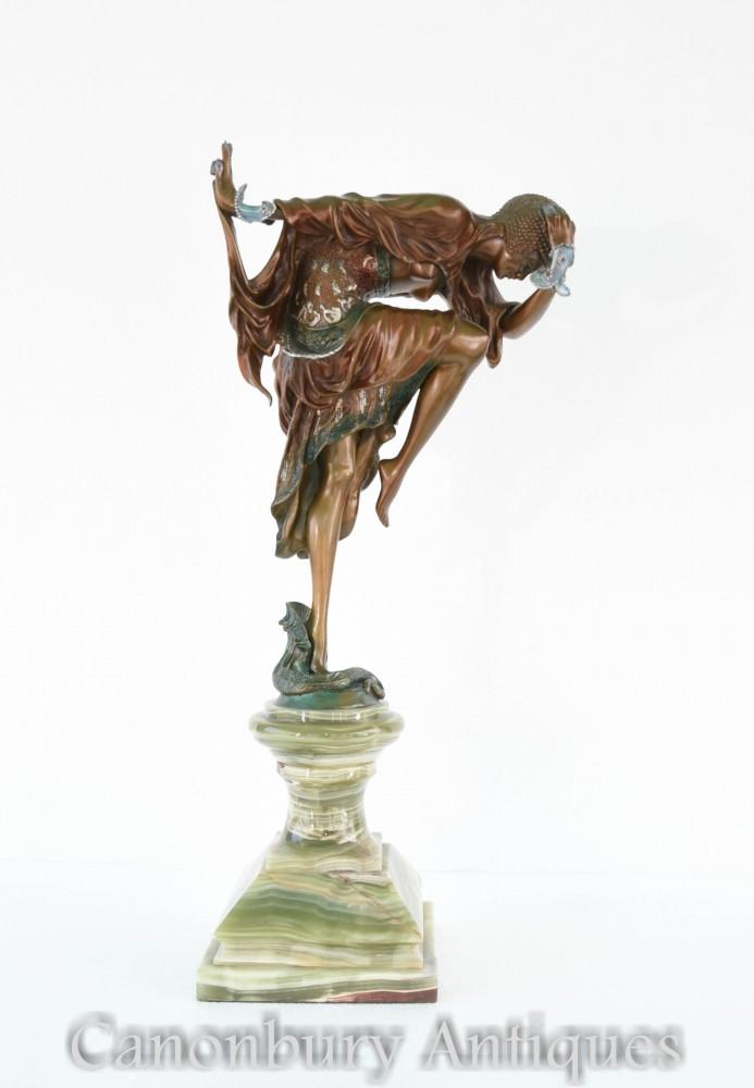 装饰艺术的青铜蛇魅力雕像由科利内特