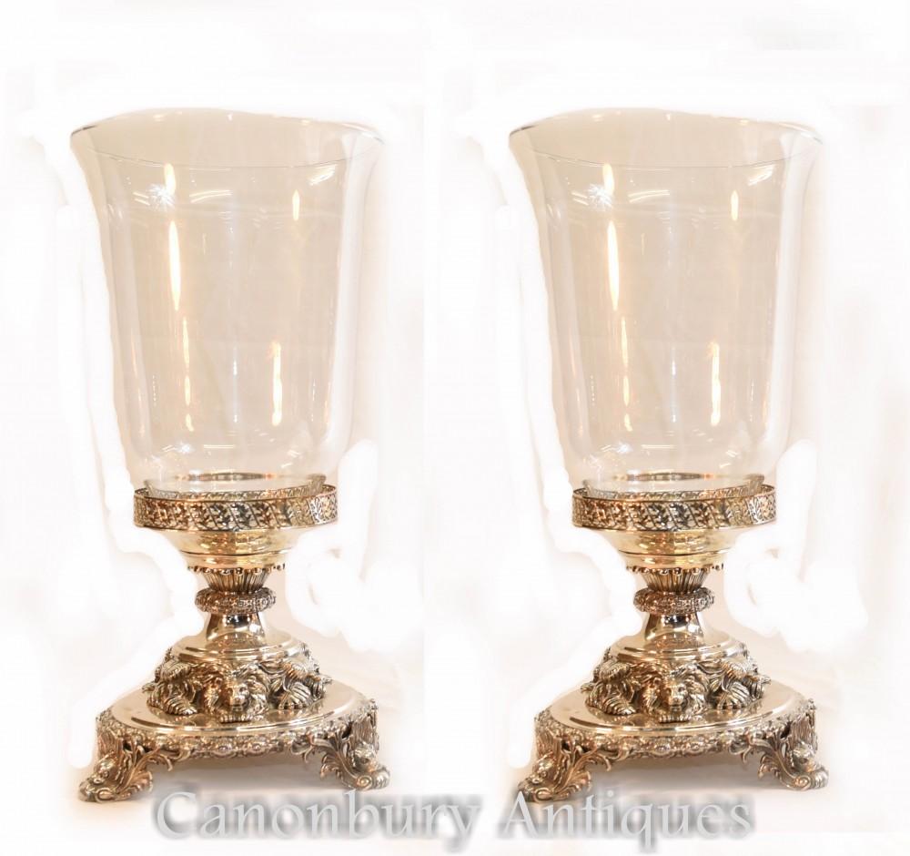 一对乔治三世镀银玻璃花瓶狮子底座